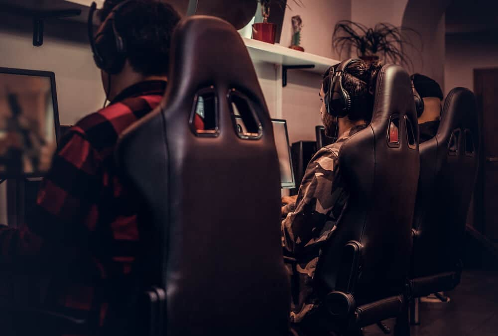 8 Exercises for Gamers That Improve Wellbeing and Performance